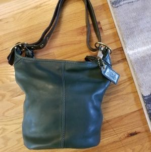 Authentic Coach hunter green leather should bag